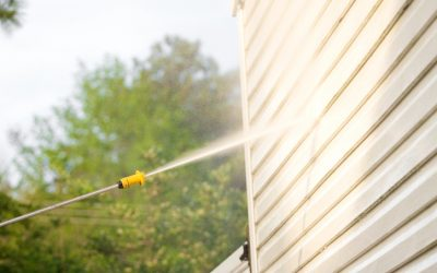 Remove Mildew on Your Vinyl Siding With Pressure Washing